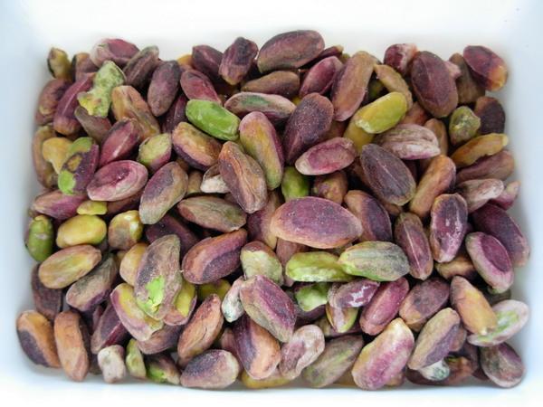 05-Pistachio-cream-whole-nuts