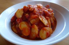 My new favourite thing: gigantes (or butterbeans in tomato sauce)