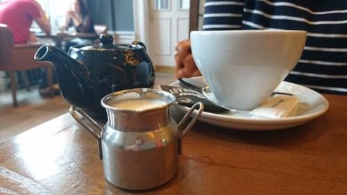 Tea and milk churn