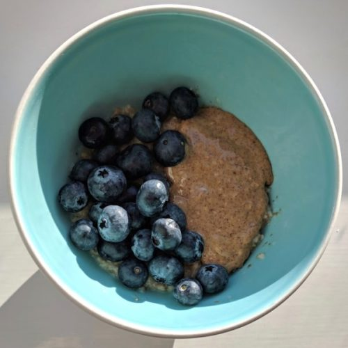 Tried to make a lovely oats bowl - but my portion's too small to look very exciting.