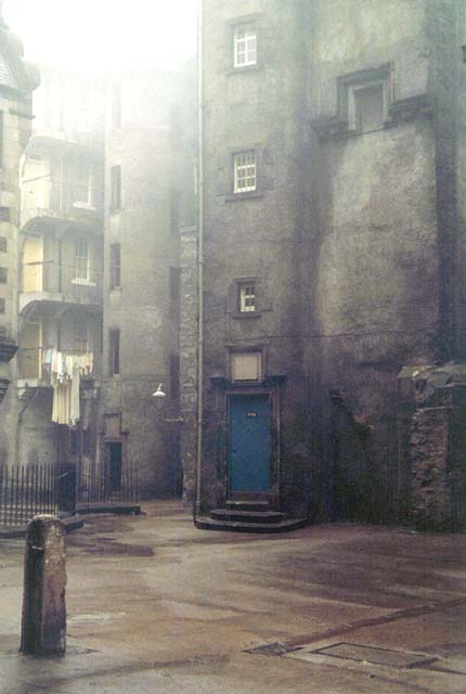 Where Is It Edinburgh Old Town Close Or Court
