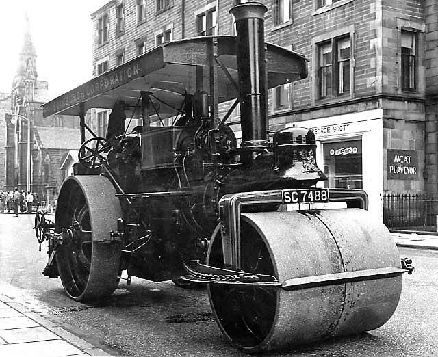 https://i0.wp.com/www.edinphoto.org.uk/0_edin_t/0_edinburgh_transport_steam_roller_1960s.jpg