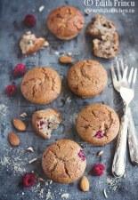 Muffins low carb cu fructe