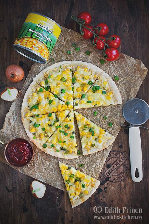 pizza-cu-porumb-si-ceapa-1