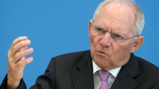 En Allemagne, le conservateur Schäuble lâche Fillon pour Macron