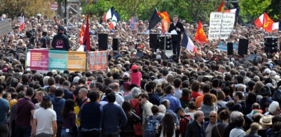Le PTB félicite Mélenchon pour son résultat