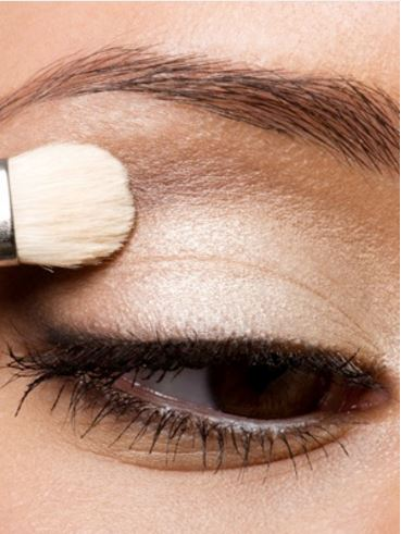 white eyeshadow hack