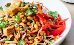 chortofagiki salata