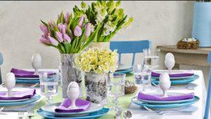 μπλε-μοβ πασχαλινό τραπέζι