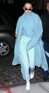 γαλάζια ρούχα total baby blue look