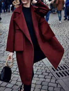 μπορντό μακρύ παλτό μαύρα ρούχα 5 Στιλιστικά tips για να δείχνεις πιο ψηλή και αδύνατη!
