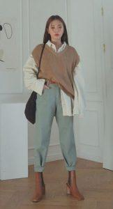 απλό ντύσιμο με γιλέκο