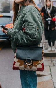 εμπριμέ γυναικεία τσάντα