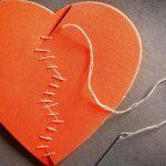 καρδιά ραμμένη βελόνα πρώτες βοήθειες ψυχή