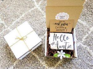κουτι με δωρακι και μηνυμα για θεια