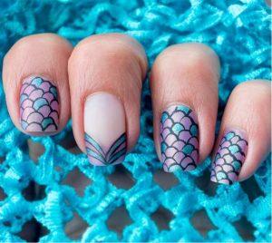 τετράγωνα νύχια γοργόνας με λέπια
