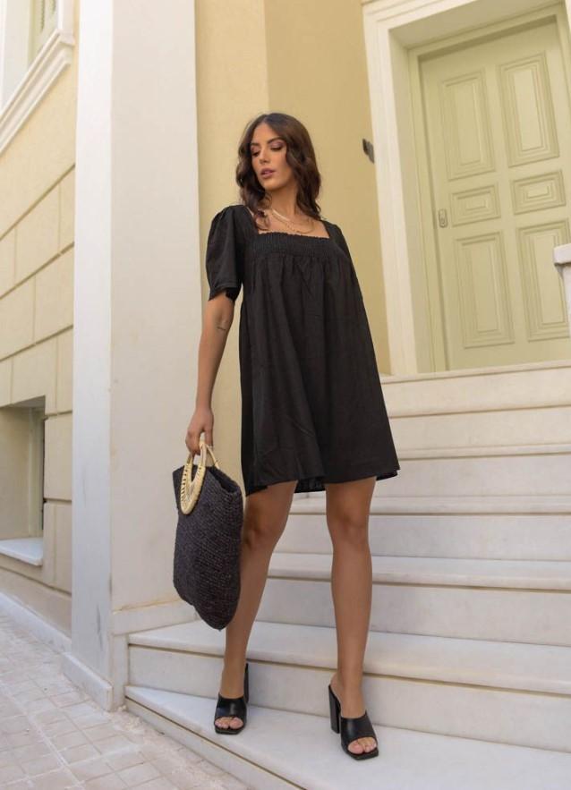 μαύρο κοντομάνικο φόρεμα