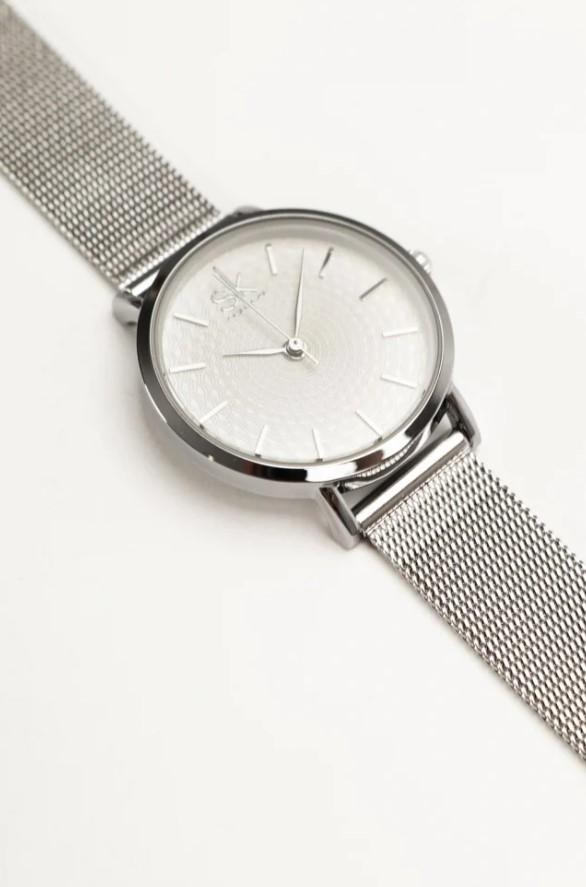 minimal ασημένιο ρολόι χειρός