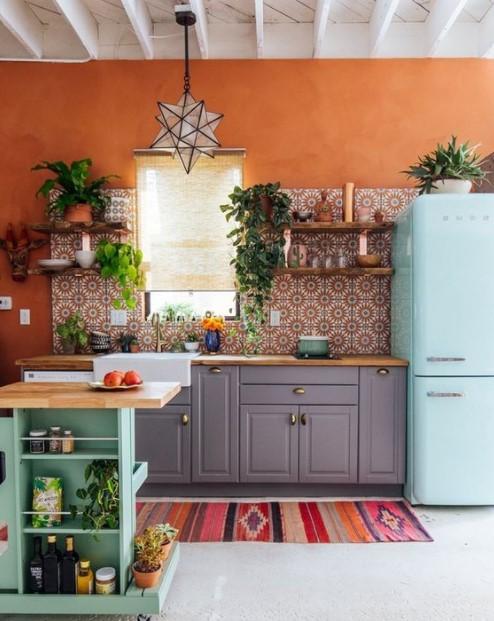 πολύχρωμη κουζίνα