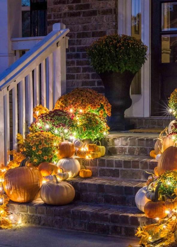 φωτάκια στην είσοδο του σπιτιού