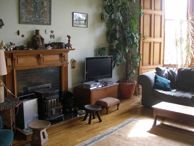 photos of beautifully decorated living rooms chinese room furniture edinburgh to rent: theatrical landlady, marchmont