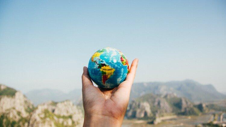 مدخل إلى العلاقات الدولية وفهم أسباب وآثار العولمة