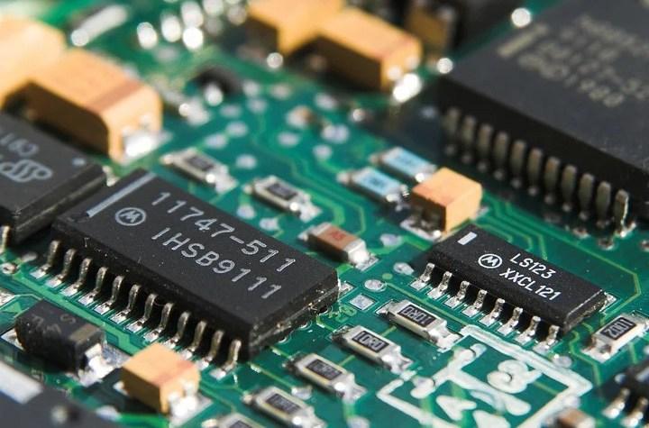 La programmazione dei microcontrollori PIC con il mikroBasic