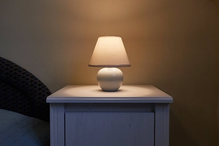 Dim Light in Bedroom Before Sleep