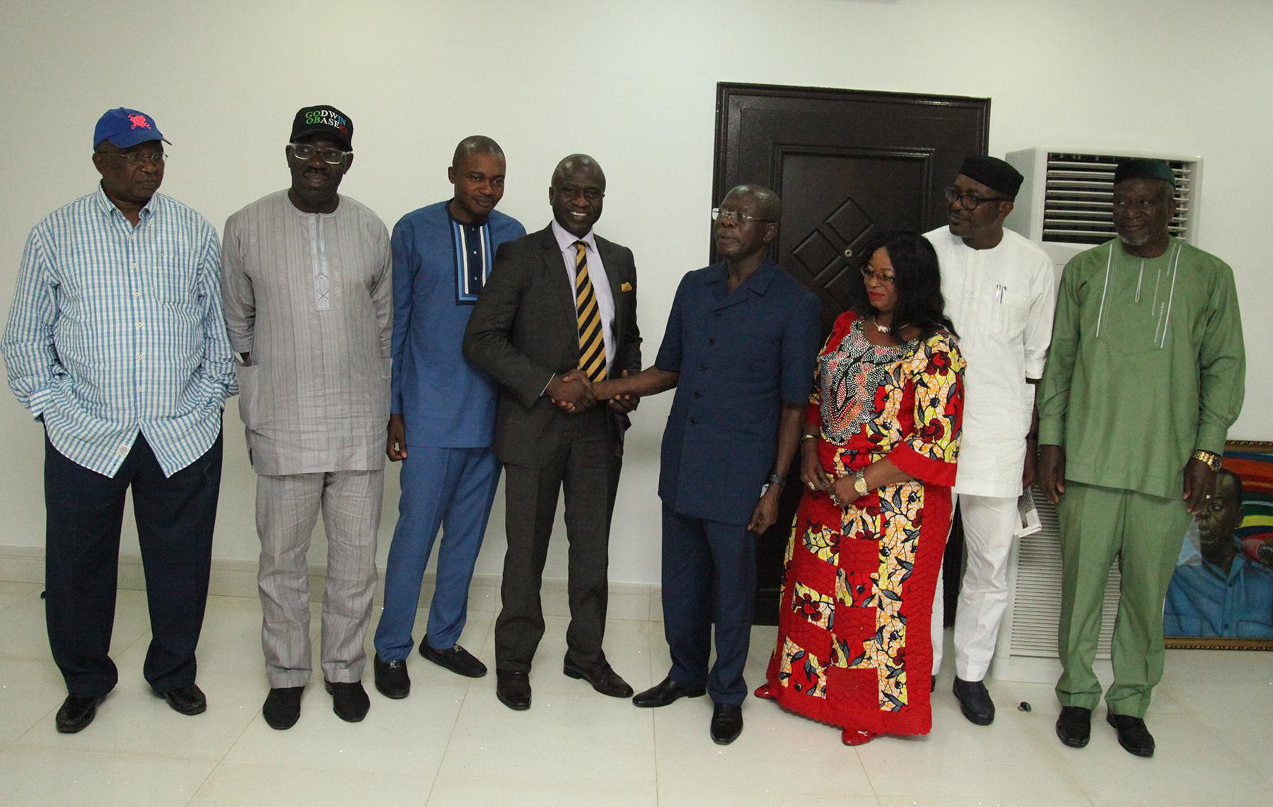 Oshiomhole assures APC guber aspirants of violence-free primaries