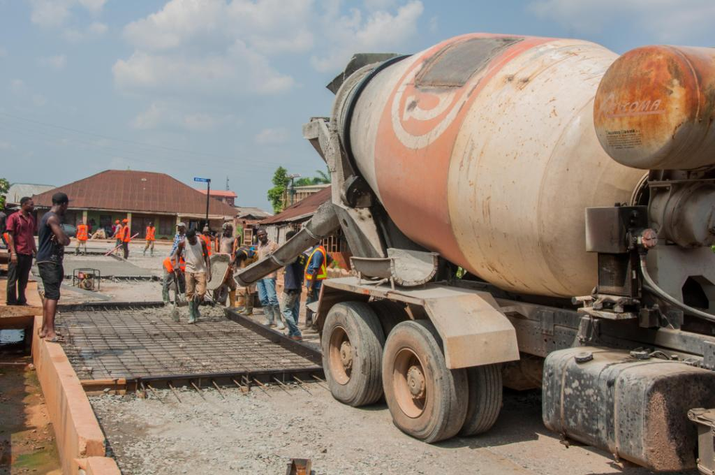 Residents, road users laud Obaseki on road construction