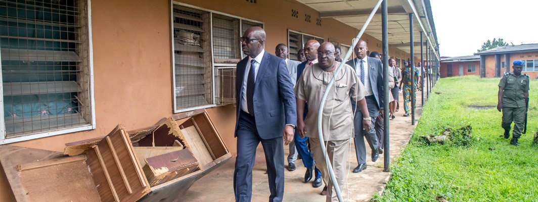 Edo State Governor, Mr. Godwin Obaseki (left); the Acting Rector Institute of Continuing Education (ICE), Mr. Victor Ajagun and other state government officials, during the unexpected visit to the institute in Benin City on Tuesday, September 26, 2017.