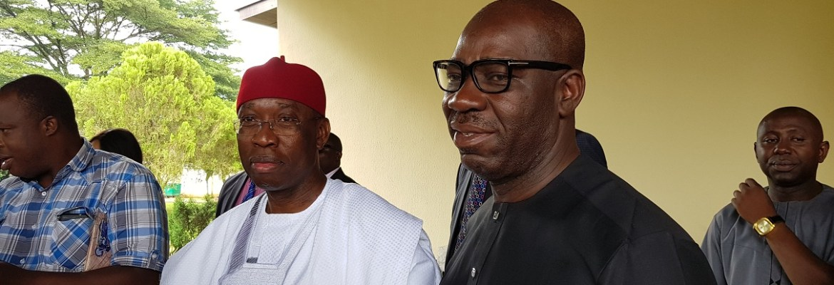 Governor Godwin Obaseki of Edo State (right) and his Delta State counterpart, Dr Ifeanyi Okowa, addressing journalists when Okowa  visited Obaseki in Benin City on Saturday, September 30, 2017.
