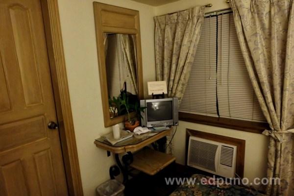 Roxas President's Hotel Room