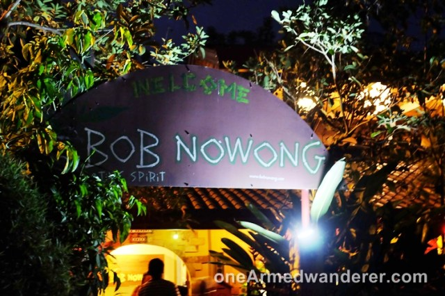 Bob Nowong entrance