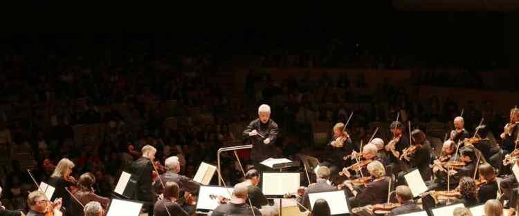 Partitura original, directrices, directores musicales, orquestas