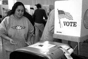 Votando (Foto: Eduardo Stanley)