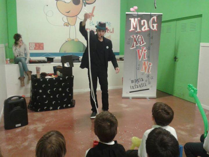 animación para cumpleaños, mago hace trucos de magia