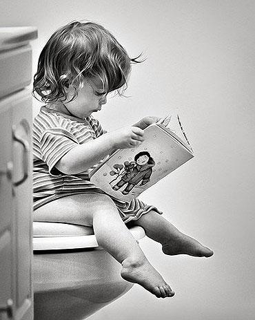 educadiver-niño-sentado-water