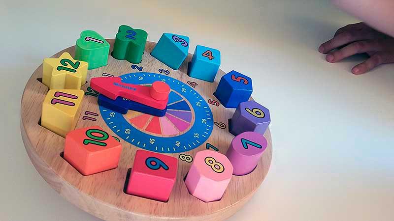 colores-reloj-infantil-juguetes-tradicionales