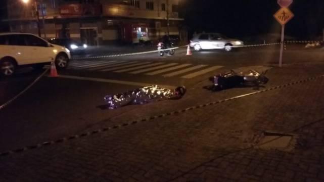 Motociclista de 21 anos morre ao se envolver em acidente em SC