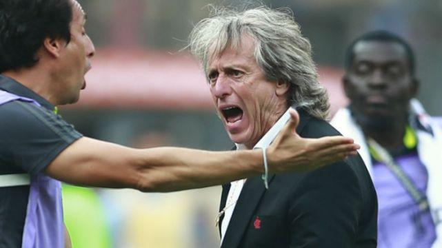 Junior exalta Jesus, mas diz que treinador se coloca acima do Flamengo