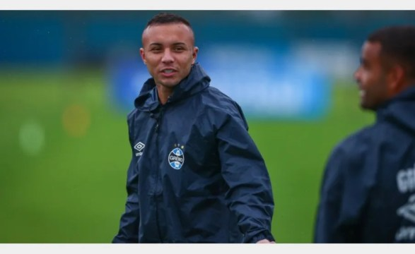 Jornal italiano diz que Napoli prepara oferta para tirar Everton do Grêmio