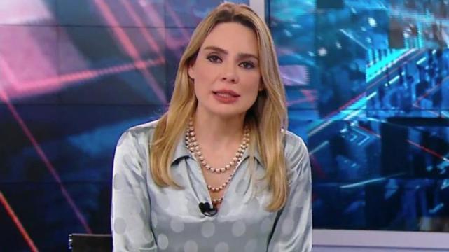 A jornalista Rachel Sheherazade na bancada do SBT Brasil (Foto: Reprodução/SBT)