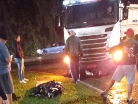 Motociclista fica ferido após acidente na BR-470, em Rio do Sul