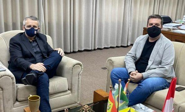Taioense Tiago Maestri recebe convite para participar do Governo de Blumenau