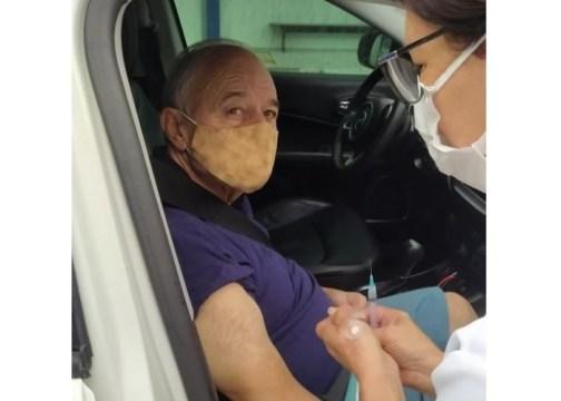Ex-prefeito de Taió, Ademar Dalfovo é vacinado contra a Covid-19 (Foto: Divulgação)
