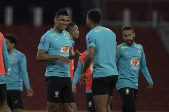 Treino da Seleção Brasileira no Beira-rio. Casemiro, Danilo e Neymar (Foto: Lucas Figueiredo / CBF)