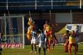 Ponto forte na temporada, defesa oscila e liga alerta no Avaí