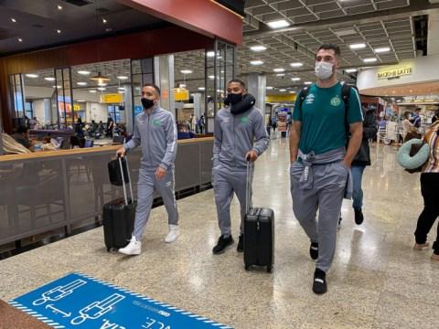 Jogadores da Chapecoense em uma das viagens em junho (Foto: Marcio Cunha / ACF)