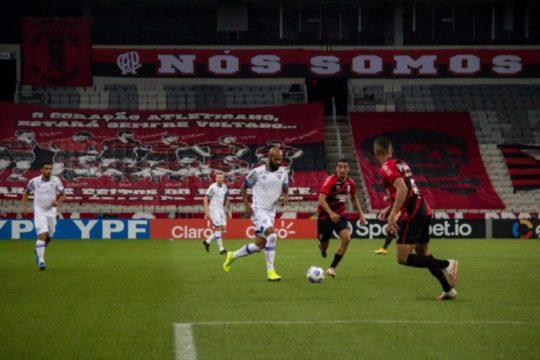 Avaí levou gol no primeiro lance e não conseguiu reverter o placar (Foto: André Palma Ribeiro / Avaí)